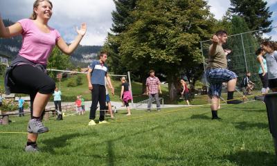 Erlebnispädagogik: Viel Spass beim Slackline